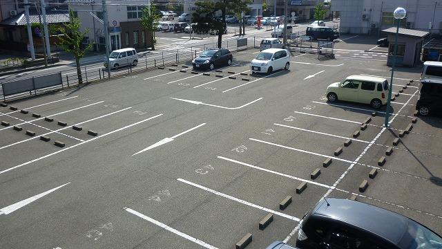 管理人が駐在している中央駐車場